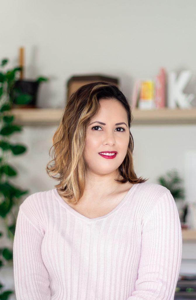 Karla Caloca, Servicios de diseño de identidad visual corporativa y diseño web profesional